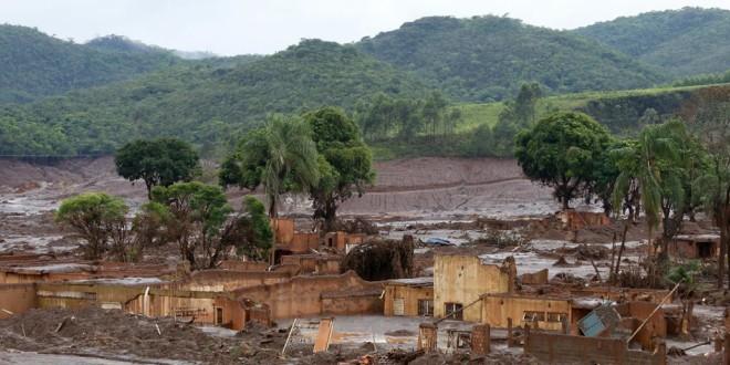 Mining-Talingsdam-AlbertaCanada-wikipedia